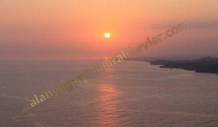 Alanyada günbatımı